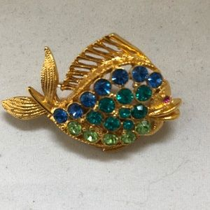 Jewelry - Goldtone Rhinestone Fish Brooch